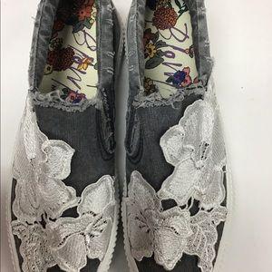 Blowfish's shoes size 9